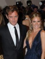 Sienna Miller, Jude Law - New York - 03-05-2010 - Gli amori nati sul set e naufragati nella realtà
