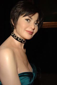 Rosamund Kwan - Londra - 13-01-2006 - Il collarino effetto Belle Epoque: le star prese per il collo!