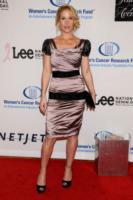 Christina Applegate - Beverly Hills - 27-01-2010 - Christina Applegate aiuta le donne a prevenire il cancro