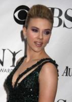 Scarlett Johansson - New York - 13-06-2010 - Scarlett Johansson compete con Blake Lively per Alfonso Cuaron