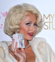 Paris Hilton - Hollywood - 10-08-2010 - Paris Hilton si difende: pensava che nel pacchetto contenente cocaina ci fossero gomme da masticare