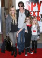 Emily Grace Reaves, Noah Cyrus, Laetitia Jean, Billy Ray Cyrus - Los Angeles - 09-01-2010 - Billy Ray Cyrus chiede il divorzio dalla moglie Tish
