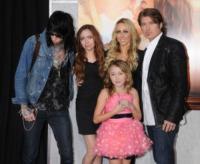 Brandi Cyrus, Trace Cyrus, Noah Cyrus, Laetitia Jean, Billy Ray Cyrus - Los Angeles - 25-03-2010 - Billy Ray Cyrus chiede il divorzio dalla moglie Tish