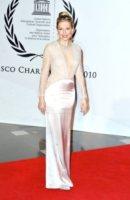 Sienna Miller - Dusseldorf - 30-10-2010 - Sienna Miller, un nome, una garanzia… di stile!