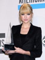 Taylor Swift - Los Angeles - 21-11-2010 - Taylor Swift e Jake Gyllenhaal sempre piu' allo scoperto