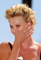 Charlize Theron - Los Angeles - 29-09-2005 - Commozione delle celebrità, o lacrime di coccodrillo?
