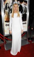 Gwyneth Paltrow - Beverly Hills - 14-12-2010 - Gwyneth Paltrow e Gabrielle Giffords sono cugine