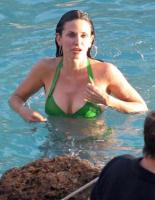 Courteney Cox - Oahu - 01-03-2011 - Courteney Cox si apre a Harper's Bazaar parlando del marito