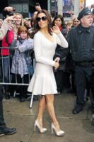 Eva Longoria - New York - 05-04-2011 - Eva Longoria ha problemi con lo smoking al talk show di David Letterman