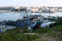 Migranti - Lampedusa - 28-03-2011 - Affonda un barcone di immigrati al largo di Lampedusa: 17 morti