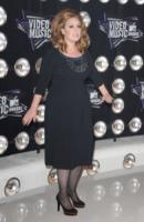 Adele - Los Angeles - 29-08-2011 - A sette mesi dalla sua uscita Someone Like You torna in testa alla Billboard Hot 100's
