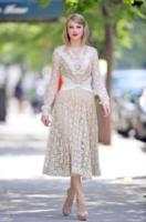 Taylor Swift - New York - 14-09-2011 - Bianco o colorato, ecco il pizzo di primavera!