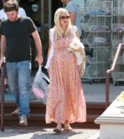 Tori Spelling - Los Angeles - Maxi dress: tutta la comodità dell'estate