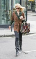 Claudia Schiffer - Londra - 04-03-2011 - Il cardigan ritorna dagli Anni Ottanta con furore