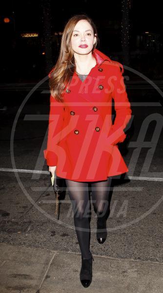 Rose McGowan - Hollywood - 24-11-2011 - Corto e colorato: ecco il cappotto di primavera