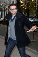 Bradley Cooper - Parigi - 29-11-2011 - Bradley Cooper e Melanie Laurent insieme a Parigi