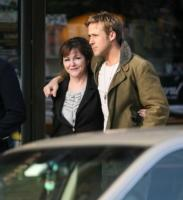Donna Gosling, Ryan Gosling - New York - 02-01-2012 - Mendes-Gosling: ecco il nome della primogenita