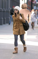 Sandra Bullock - New York - 15-02-2011 - L'inverno porta in dote i colori neutrali, come il beige
