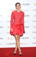 Emma Watson - Los Angeles - 10-02-2012 - Bianco o colorato, ecco il pizzo di primavera!