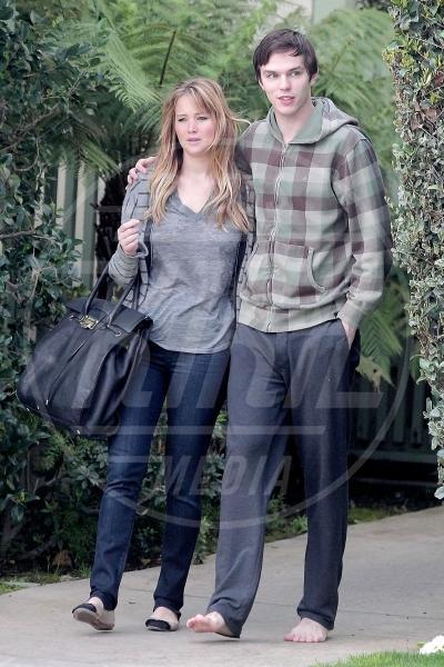 """Nicholas Hoult, Jennifer Lawrence - Los Angeles - 25-04-2014 - J-Law contro tutti: """"Il corpo è mio e me lo gestisco io!"""""""
