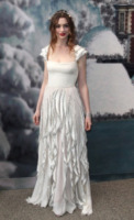 Anne Hathaway - Crespieres - 07-07-2011 - Anne Hathaway, una diva dal fascino… Interstellare!
