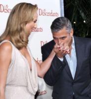 Stacy Keibler, George Clooney - Los Angeles - 16-11-2011 - Romanticismo: la chiave per entrare nel cuore delle donne