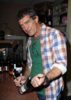 Antonio Banderas - Miami - 25-02-2012 - Professione star fa rima con passione bollicine