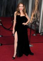 Angelina Jolie - Hollywood - 26-02-2012 - Spacchi estremi: da Belen a Giulia Salemi e Dayane Mello