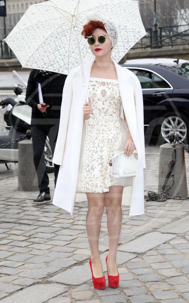 Fan Bingbing - Parigi - 07-03-2012 - Corto e colorato: ecco il cappotto di primavera