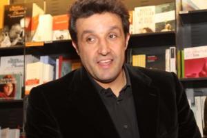 Flavio Insinna - Roma - 29-03-2012 - Flavio Insinna presenta la sua autobiografia Neanche con un morso all'orecchio