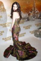 Lily Collins - Parigi - 02-04-2012 - Lily Collins, da principessa Biancaneve a regina di stile!