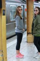 Minka Kelly - New York - 04-05-2012 - Il desiderio metropolitano delle star…come noi