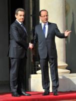 François Hollande, Nicolas Sarkozy - Parigi - 15-05-2012 - L'ex presidente Sarkozy in stato di fermo per concussione