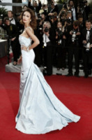 Madalina Ghenea - Cannes - 19-05-2012 - Ispirazione Cenerentola sul tappeto rosso