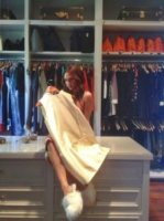 Victoria Beckham - Los Angeles - 02-01-2002 - Celebrity con i piedi per terra: W le pantofole!