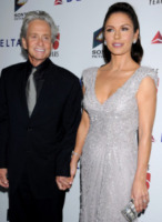 Catherine Zeta Jones, Michael Douglas - Los Angeles - 15-10-2011 - Michael Douglas e Catherine Zeta-Jones tornano insieme