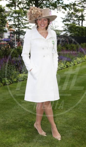 Kate Silverton - Ascot - 19-06-2012 - Corto e colorato: ecco il cappotto di primavera