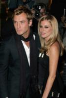 Sienna Miller, Jude Law - Londra - 14-10-2004 - Jude Law ci ricasca: quinto figlio in arrivo…dalla ex!
