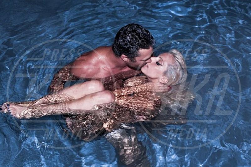 Taylor Kinney, Lady Gaga - 06-09-2012 - Lady Gaga si sposa, matrimonio in Italia?