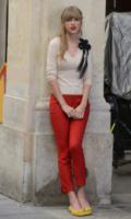Taylor Swift - Parigi - 02-10-2012 - Si scrive street-style chic, si legge… Taylor Swift!
