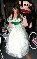 Jennifer Love Hewitt - Hollywood - 02-11-2006 - Ad Halloween le star si vestono così