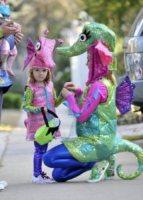 Satyana Denisof, Alyson Hannigan - Miami - 31-10-2012 - Ad Halloween le star si vestono così