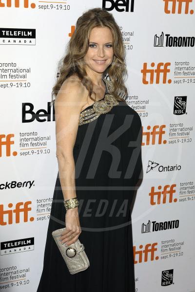 Kelly Preston - Los Angeles - 24-11-2010 - Son tutte belle le mamme del mondo, anche dopo i 40