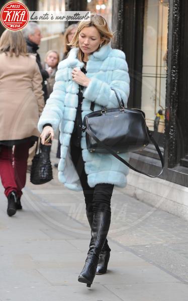 Kate Moss - Londra - 12-12-2012 - Calda e colorata: è la Venere in ecopelliccia!