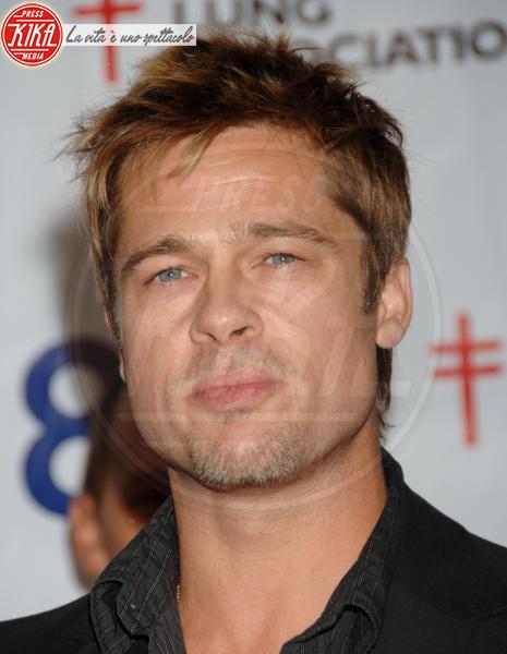 Brad Pitt - Los Angeles - 06-11-2006 - Pitt festeggia nel ristorante di  Jennifer Aniston