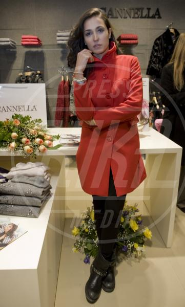 Caterina Balivo - Aversa - 19-12-2012 - Sarà un inverno caldo… con un cappotto rosso!
