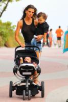 Tal Harlow, Claudia Galanti, Liam - Miami - 30-12-2012 - Jessica Biel: un figlio per salvare il matrimonio?