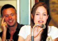 "Angelina Jolie - India - 16-11-2006 - Angelina Jolie:""Bush mi complica il lavoro"""