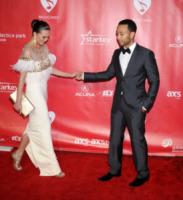 Christine Teigen, John Legend - Los Angeles - 08-02-2013 - Romanticismo: la chiave per entrare nel cuore delle donne
