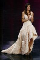 Elisabetta Canalis - Sanremo - 17-02-2011 - Corto o lungo? Ecco le dive che non sanno decidersi!